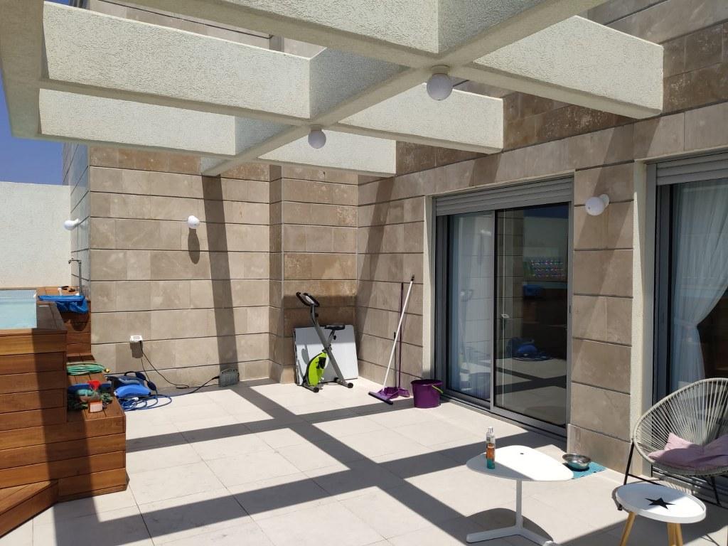 פרגולות אלומיניום - פרגולות עם חלונות - פרגולת פנלים מבודדים וחלונות