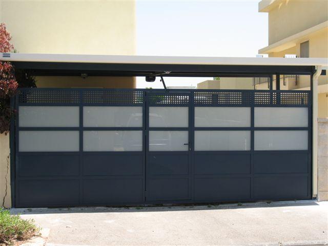 שערים - שער כניסה בתוך שער חניה - שער כניסה בתוך שער חניה