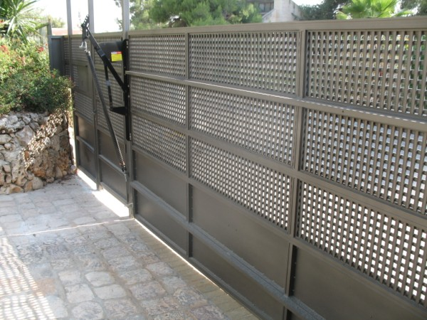 שערים - שערים דגם רשת אייל - שער- שער כניסה וחנייה