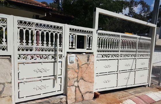 שערים - שערים דגם יציקות - שער חניה וכניסה דגם יציקות