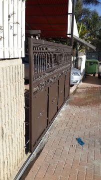 שערים - שערים דגם יציקות - שער חניה דגם יציקות