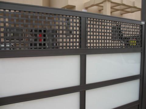שערים - שערים  עם שילובי זכוכית - שערים - כניסה וחנייה