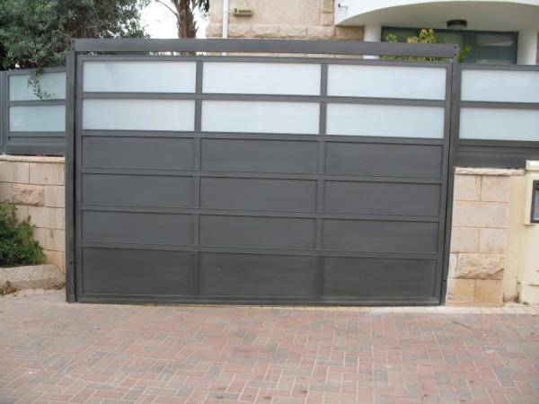 שערים - שערים  עם שילובי זכוכית - שערים- שער חנייה