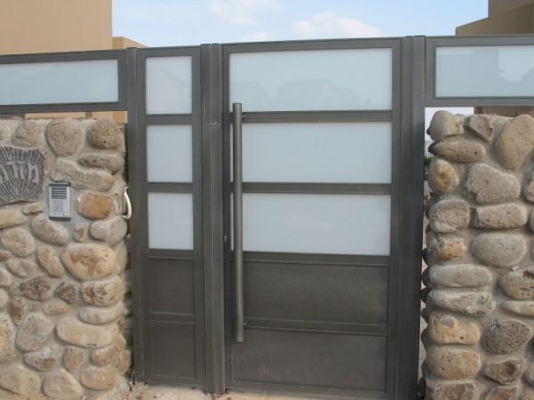 שערים - שערים  עם שילובי זכוכית - שערים- שער כניסה