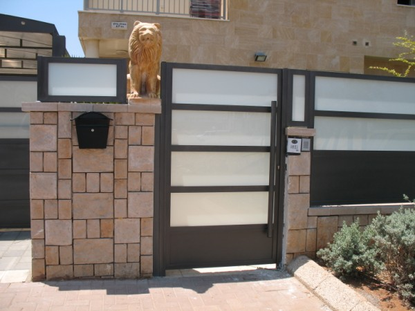 שערים - שערים  עם שילובי זכוכית - שערים - שער כניסה