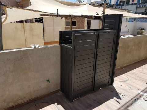 שערים - שערים / דלתות שירות - דלת  פח אשפה גם סטריפים