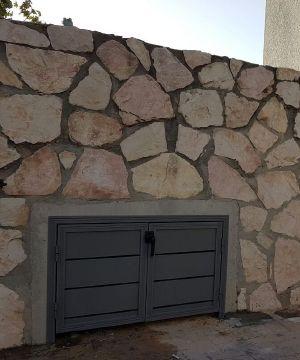 שערים - שערים / דלתות שירות - דלת שירות דגם אטום