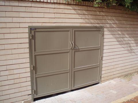 שערים - שערים / דלתות שירות - דלת שירות
