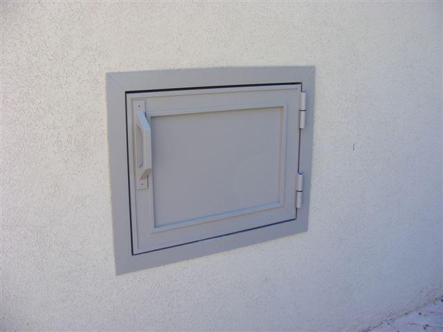 שערים - שערים / דלתות שירות - דלתות שירות