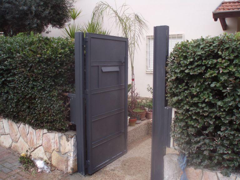 שערים - שערים -  דגם אטום - שערים - שער אטום