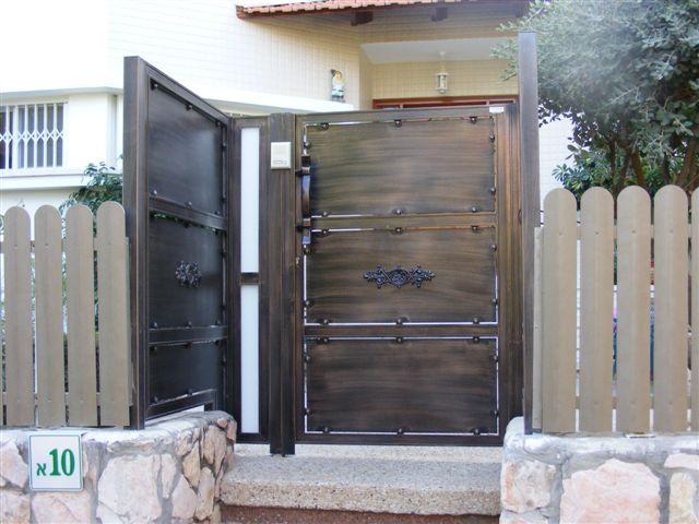 שערים - שערים -  דגם אטום - שער- שער כניסה וחניה