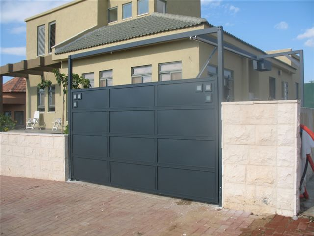 שערים - שערים -  דגם אטום - שער כניסה וחניה