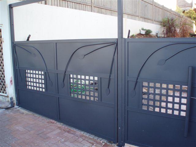 שערים - שערים - נפחות - שער כניסה וחניה