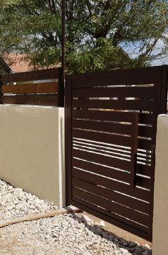 שערים - שערים סטריפים - שער חניה בדגם סטריפים והייטק