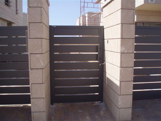 שערים - שערים סטריפים - שער כניסה