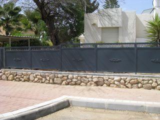 גדרות - גדר יציקות - גדר דגם אטום ורסאצי