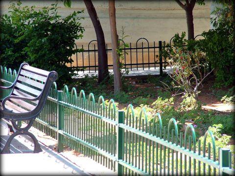 גדרות - גדר דגם דליה לחצרות ובתים משותפים - גדר מתכת דגם דליה