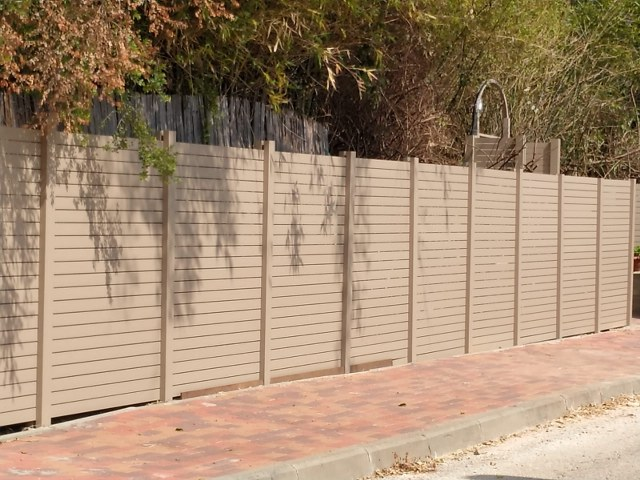 גדרות - גדר מודולרית - גדר פרופילים ללא מסגרת