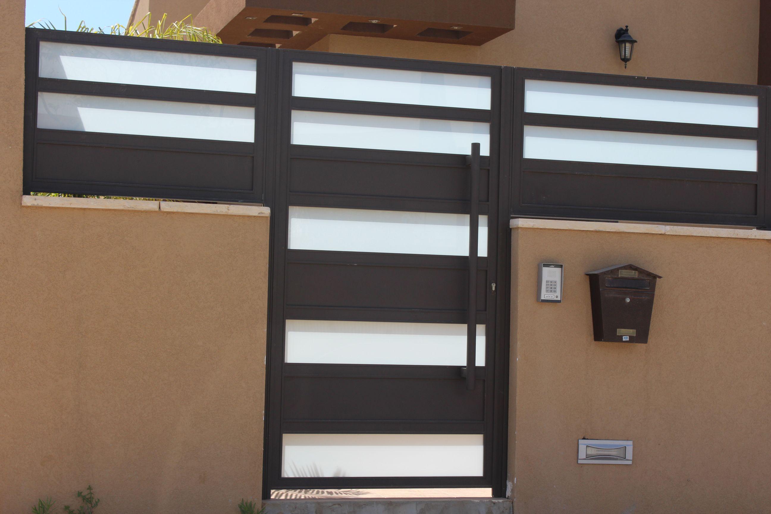 גדרות - גדרות - שילובי זכוכית - גדר בשילובי זכוכית
