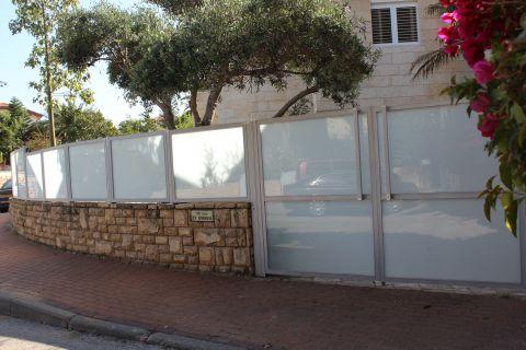גדרות - גדרות - שילובי זכוכית - גדר זכוכית