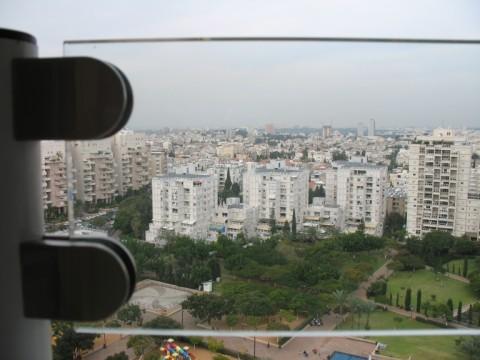 מעקות - הגבהה למעקה מרפסת זכוכית - דגם עדי - מעקה מרפסת