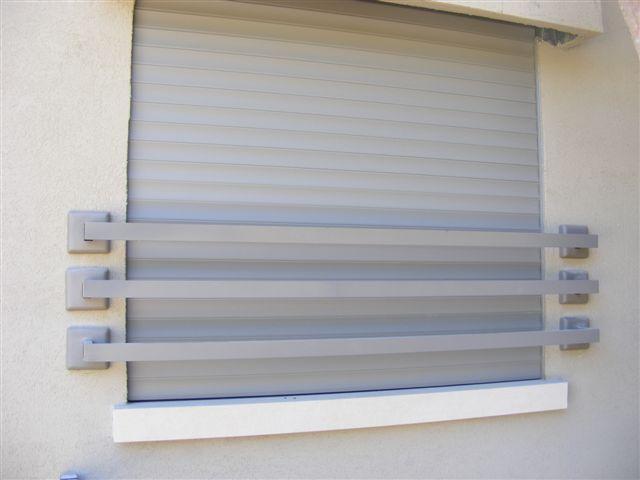 מעקות -  סורגים לחלונות - סורגים לחלונות