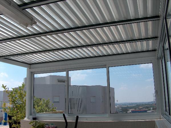 בנייה קלה - בניה קלה - גג הצללה - סגירת מרפסת